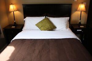 Queen bed room $800/mth or $300/week utilities included
