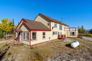 1323-2 HOTSPRINGS ROAD - RE/MAX REALTOR® Terence Tait