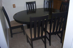 Black Dining Table with Built-in leaf and 6 chairs