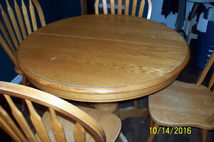 OAK Dining Table/Four Chairs