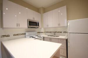 4 Bed + Den - Main Floor Unit In Roncesvalles!