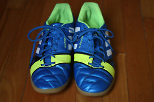 Chaussures soccer intérieur Adidas Nitrocharge 3.0 taille 11 US
