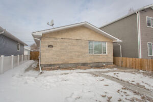 PRICED TO SELL!! // RENOVATED NORTHEND BUNGALOW