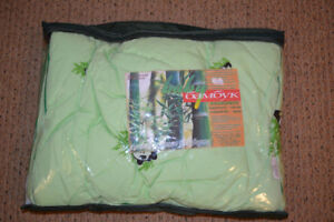 Pillow and blanket for a newborn. From bamboo. Never used.
