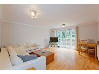 3 bedroom flat in Parkhill Road, Belsize Park, NW3