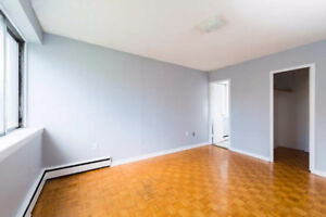 A PERFECT ROOM FOR A COUPLE OR STUDENT AT 2mins  WALK TO SMU/DAL