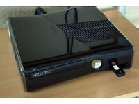 Xbox 360 slim + 2 games