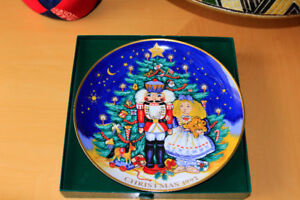 Christmas  1992 Plate by FITZ and Floyd