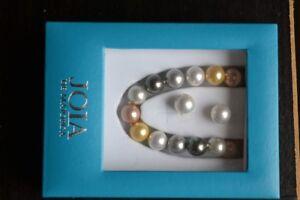 Collier de perles avec boucles d'oreilles assorties