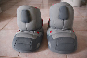 Giant Robot sound effect slippers