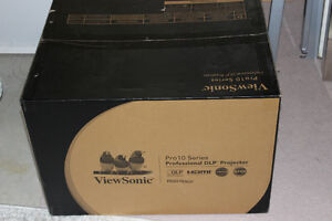 Brand new ViewSonic Pro10100 DLP projector for sale!!!!!!