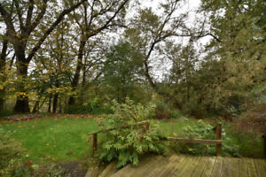 LOOKING TO RETIRE IN A BUNGALOW IN DUNDAS WITH RAVINE LOT?