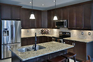 Quartz & Granite Kitchen Counter tops