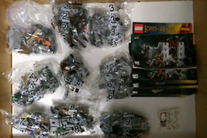 Lego LOTR Battle of Helms Deep 9474 Brand New
