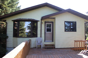 Year Round LAKEFRONT Cabin at Brightsand Lake!