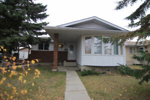 Spacious Bungalow on Quiet Crescent! OPEN HOUSE SUNDAY 2-4!