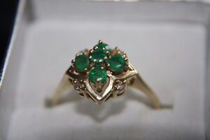 Gorgeous emerald and diamond ring, size 9