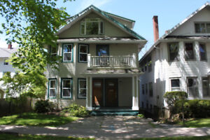 Large 5 Bedroom, Close to Dalhousie