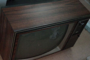 RCA XL-100, 19 inch CRT TV perfect for Atari and other games