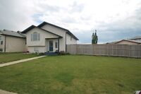 4 bedroom 2 bathroom house for rent in Sylvan Lake avail Aug 1