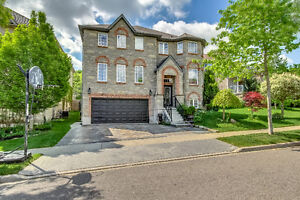 Spacious & Bright 4 Beds,4 Bath Detached House In Waterloo
