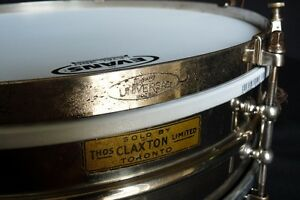 Ludwig Universal Model Snare 1920's Nickel Over Brass