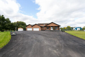 4400+ sq ft luxury 2 storey home on 2.5 acres 2km from Beaumont!