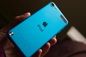 Blue iPod Touch 5th generation 32 GB