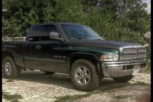 2001 Dodge Ram 1500 parting out