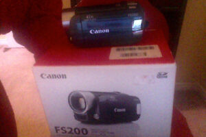 Canon FS-200 camcorder(never used)