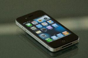 iPhone 4 16Go, déverrouillé, très propre