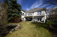 Amazing Family Home in Strathmore!
