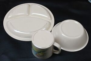 3 Piece Pooh Bear Plastic Dinnerware Set The Walt Disney Company Kingston Kingston Area image 2
