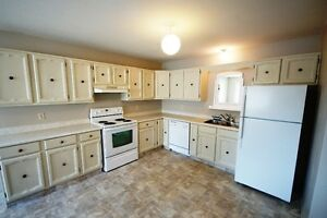 SPACIOUS 3 BEDROOM LACOMBE HOME FOR RENT