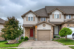 3 Bedroom 2.5 Bathroom End Unit Townhouse in Huron Heights