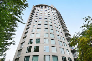 Stunning Designer Executive 2 Bedroom in Designer West End Tower