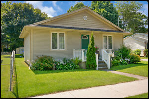 Beautiful Bungalow in the Heart of Strathroy