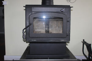 Pyropak EPA Wood Stove includes removable screen, Lansdowne, ON