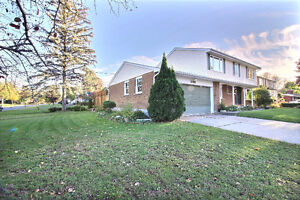 Cornwall Ont, 5 bedrooms 2.5 B/R 1952 sq ft
