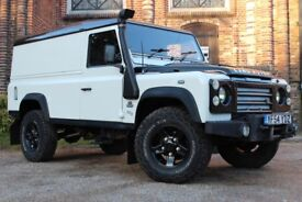 Land Rover Defender 110 2.5Td5 Station Wagon (white) 2005