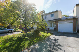 Upgraded townhome in Barrhaven attached only by the garage!