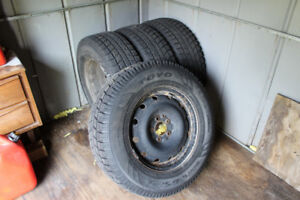 TOYO OBSERVE GSi-5 Winter Tires 235-70R16 Snow Monster with NUTS