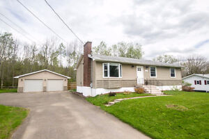 LOVELY 4 BEDROOM HOME WITH LOADS OF UPGRADES!