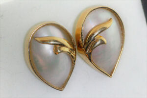 NEW SOLID STAMPED 14. KARAT ITALIAN GOLD & MABE PEARL earrings
