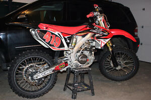 Honda CRF250R - lots of extras // Tags yzf kxf rmz yz cr 125 450