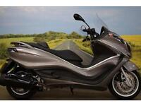 Piaggio X10 350 **ABS, Traction Control, Large Storage Compartment**