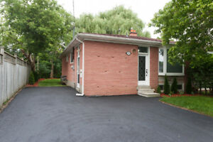 Stunning 3BR,1WR, Fully Upgraded House-Bayview/Major Macenzie