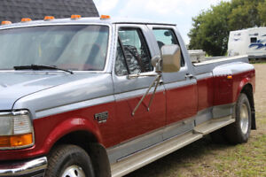 1997 Ford F-350 red Pickup Truck