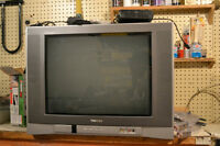 TOSHIBA TV WITH ANALOG DIGITAL CONVERTER AND REMOTE CONTROL