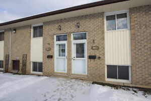 2 bedroom bungalow condo For Sale Omemee / Kawartha Lakes